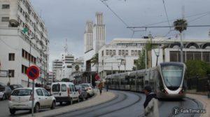 Трамвай и собор святого Петра