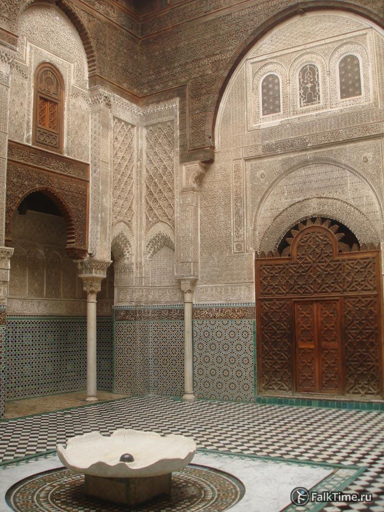 Дворик медресе Аль-Аттарин