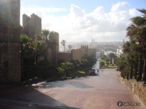 От ворот Баб Эль-Кбир