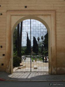 Вход в сад Жнан Сбиль
