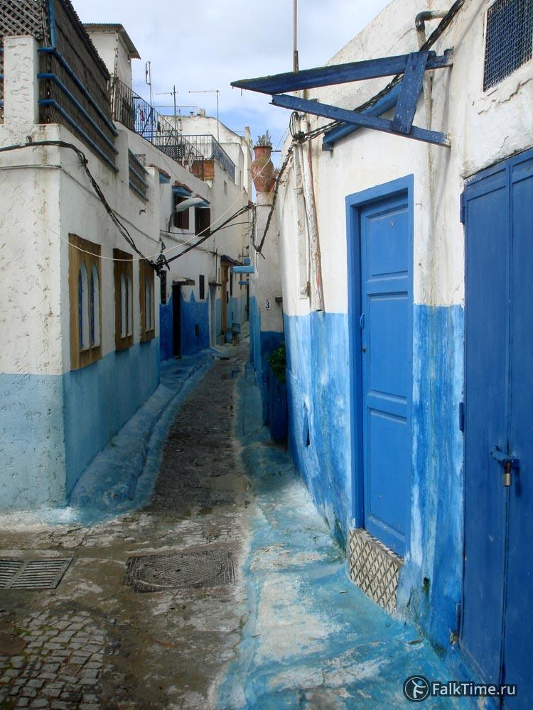 Бело-голубая улица