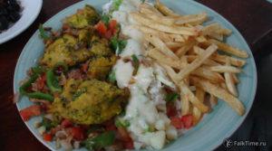Еда из марокканского фастфуда