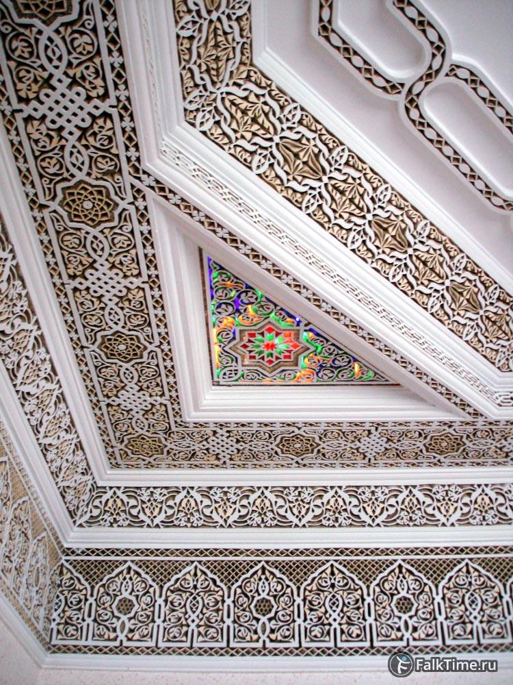 Встроенные в рехной потолок светильники