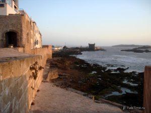 Вид в сторону скалы дю порт