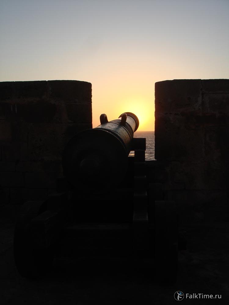 Пушка на закате