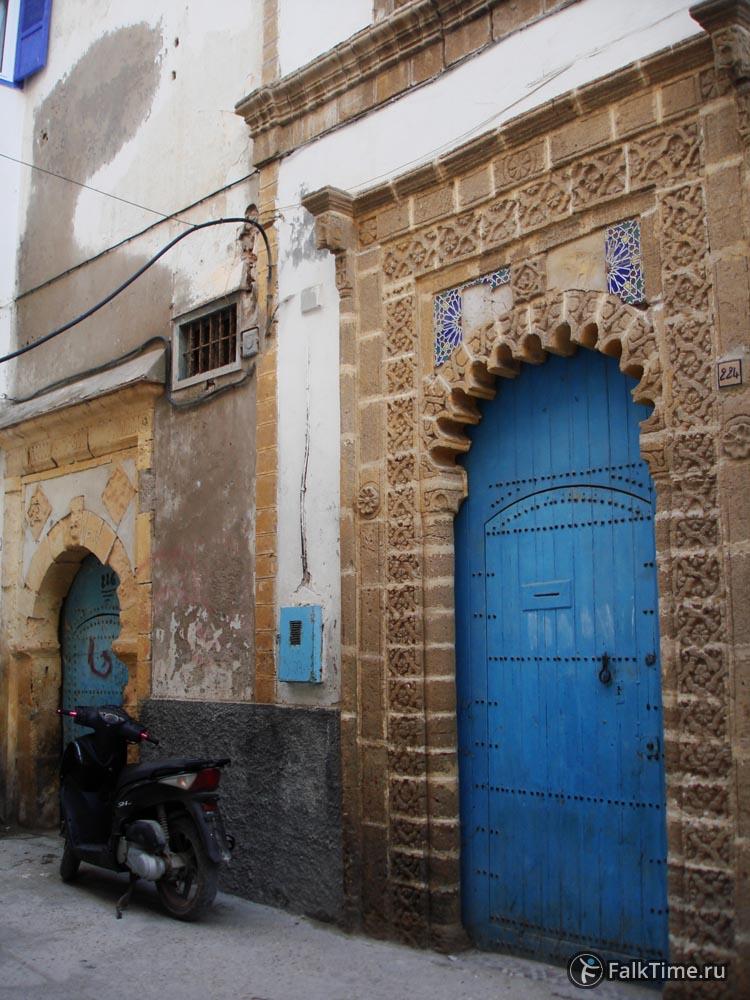 2 двери медины